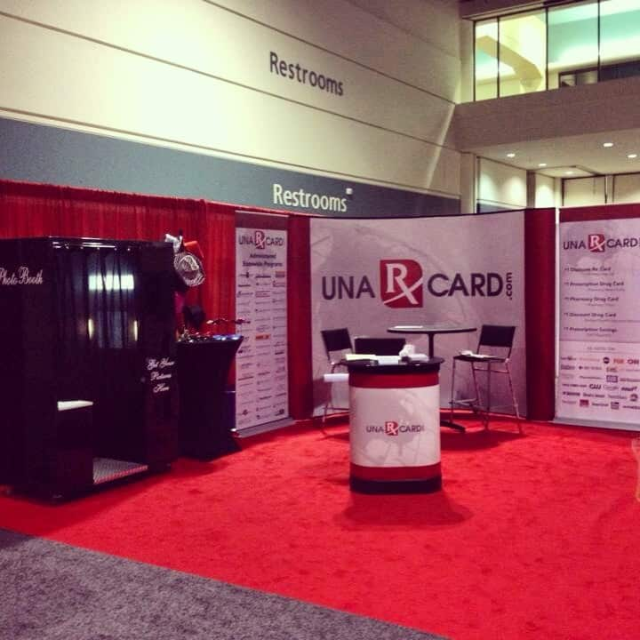 Una Card trade show booth